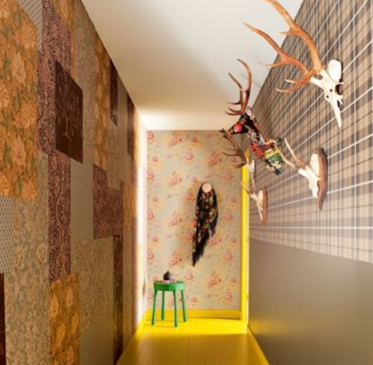 un joli mur bien décoré